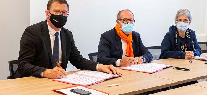 signature convention SNSM